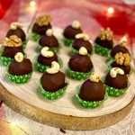 Praline di cioccolato con frutta secca e uvetta